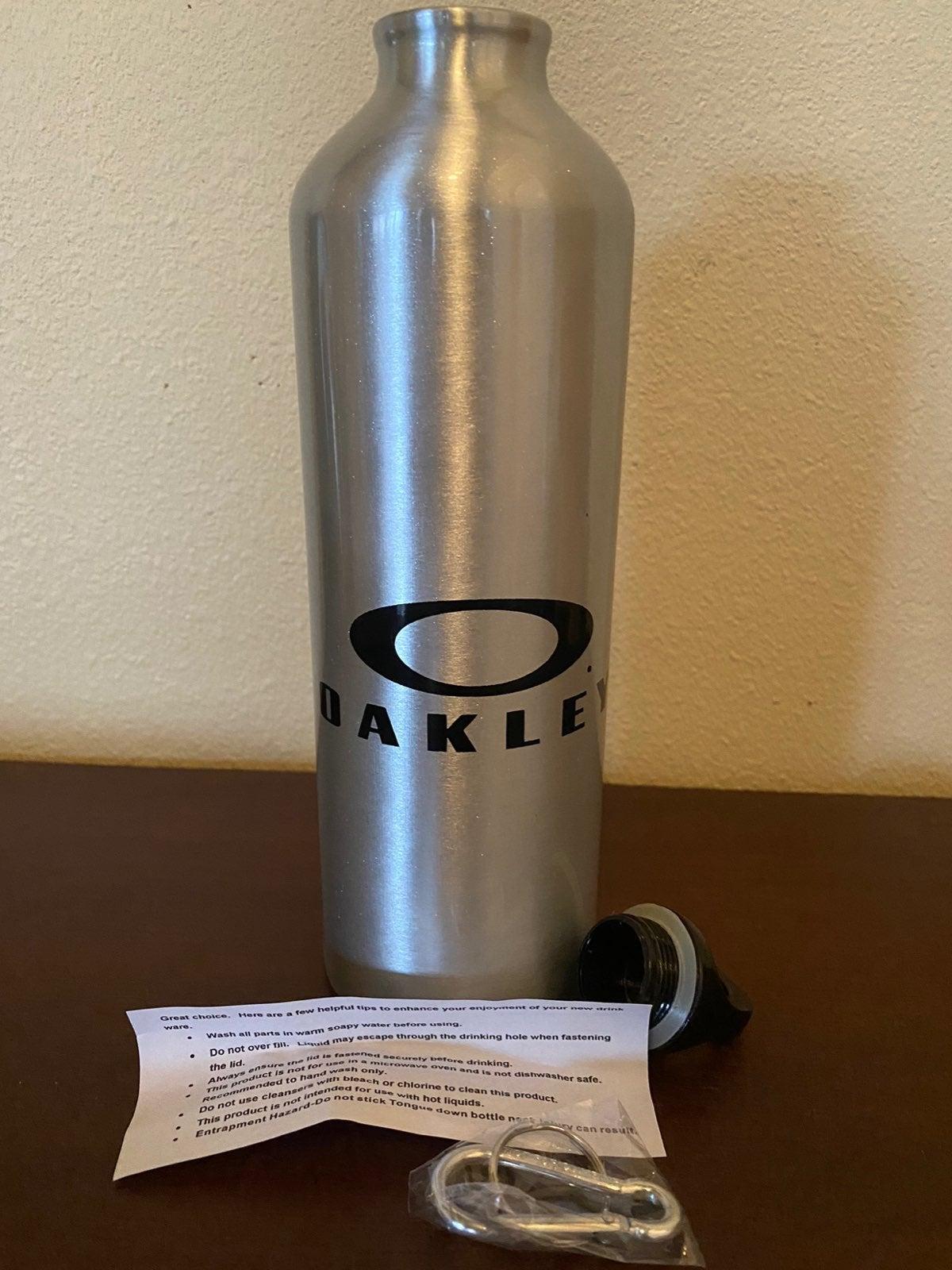 Oakley Aluminum BPA Free Water Bottle