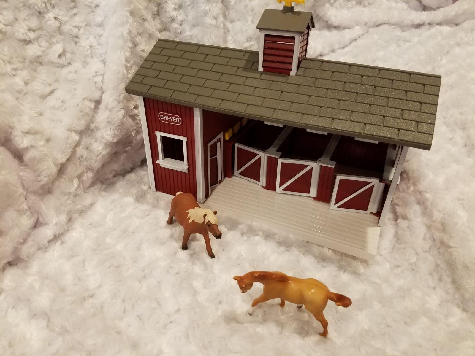 Breyer Horse stable toy