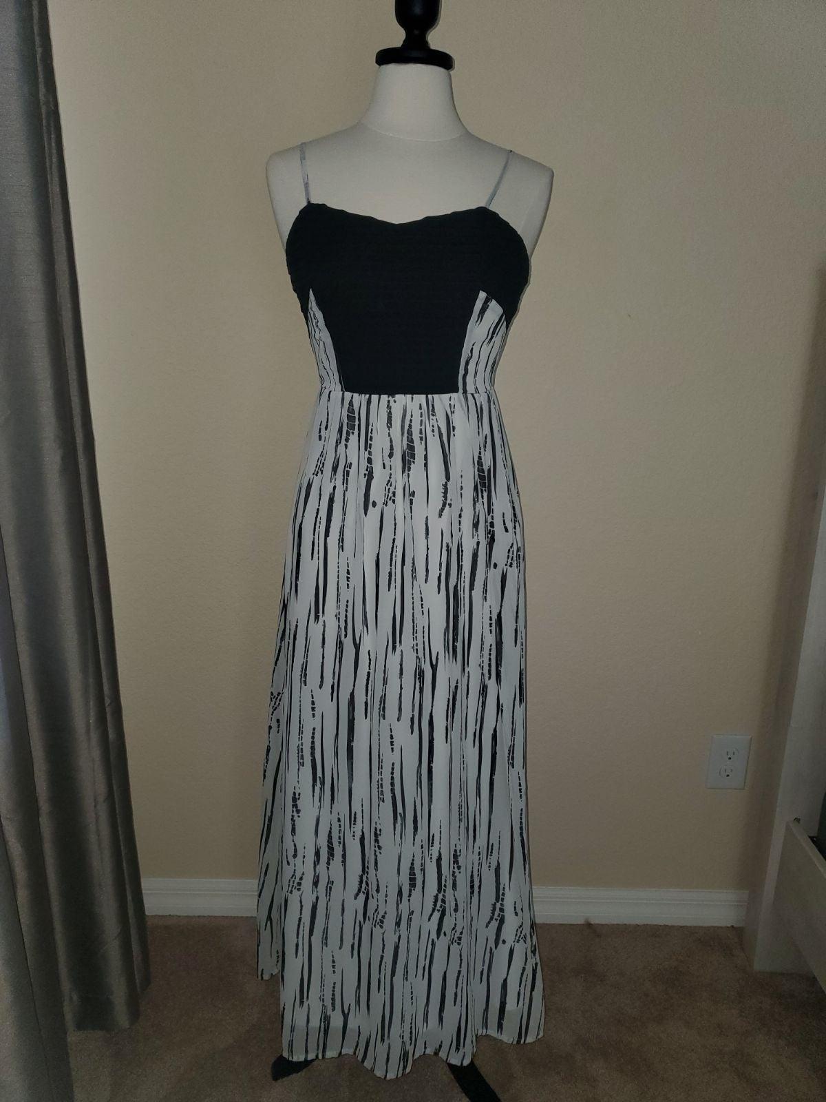 Bar III Maxi Dress size Small