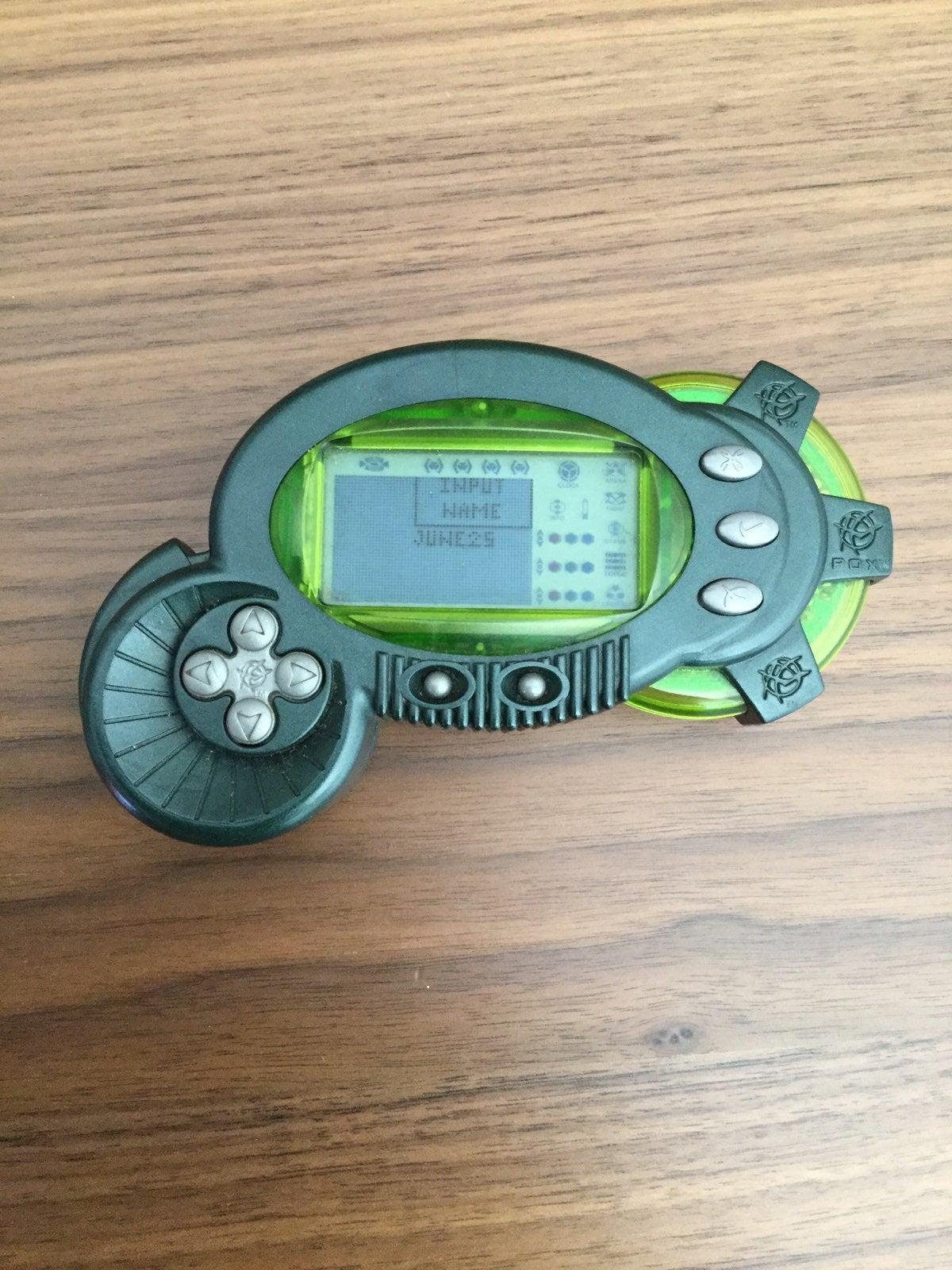 2001 POX Cycro Alien Creation Handheld