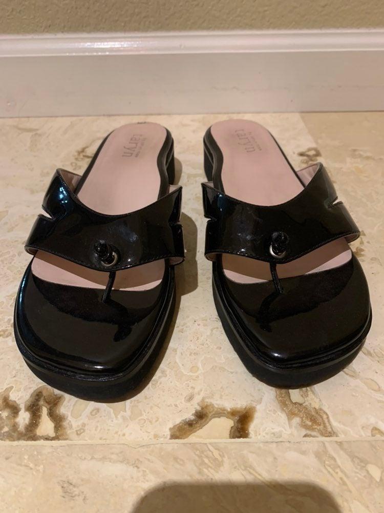 Taryn by Taryn Rose thong sandals