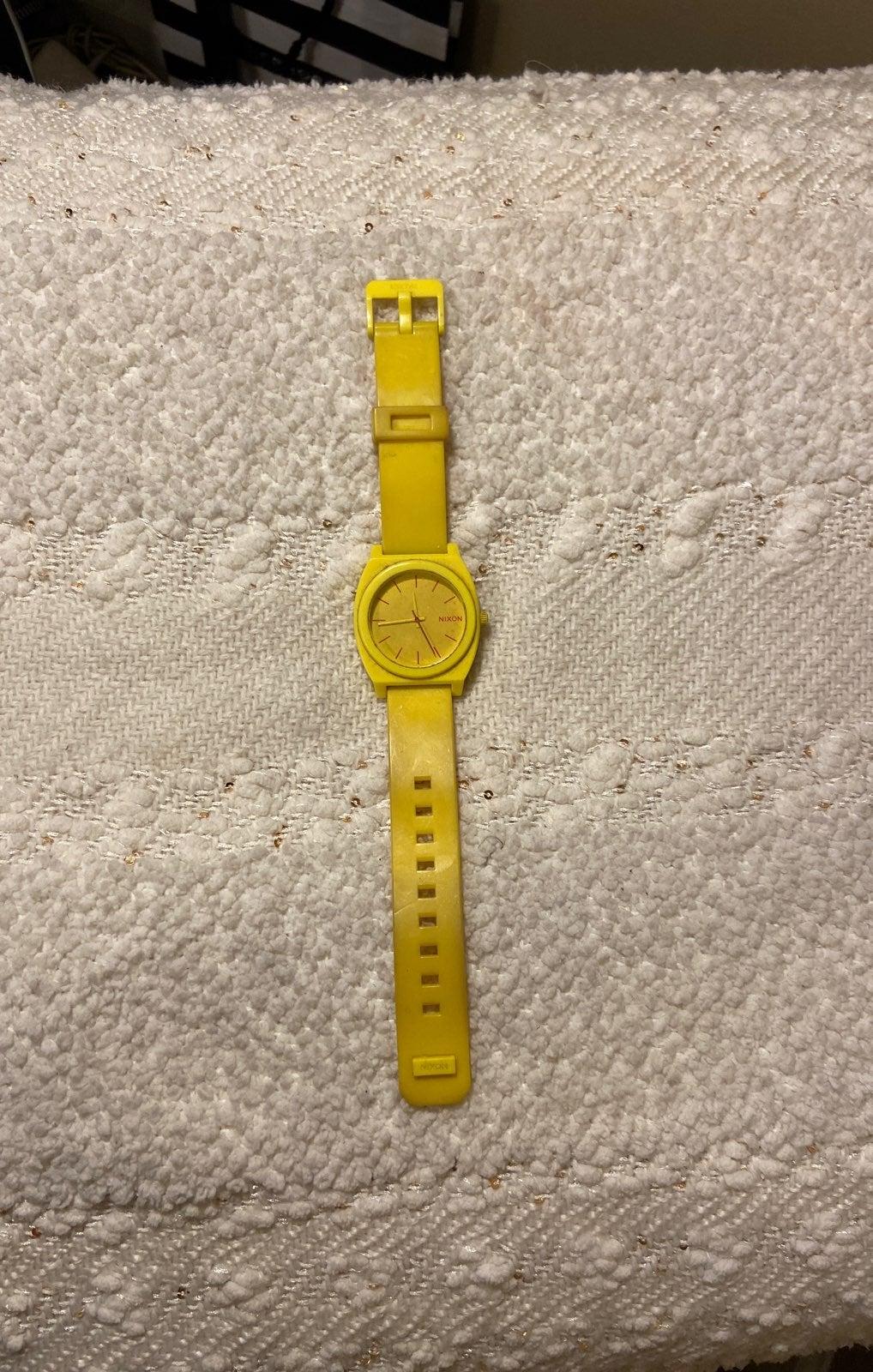 Nixon Unisex Time Teller Watch