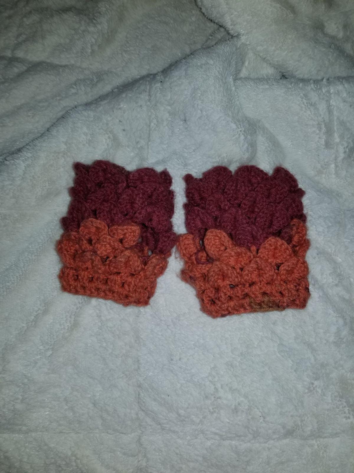 Dragon scale crochet fingerless gloves