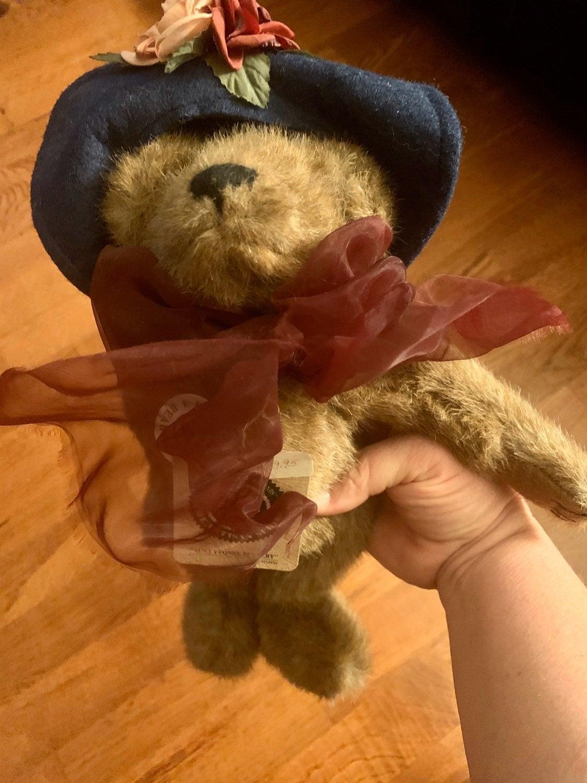 Boyd's Bear Aunt Yvonne Dubeary