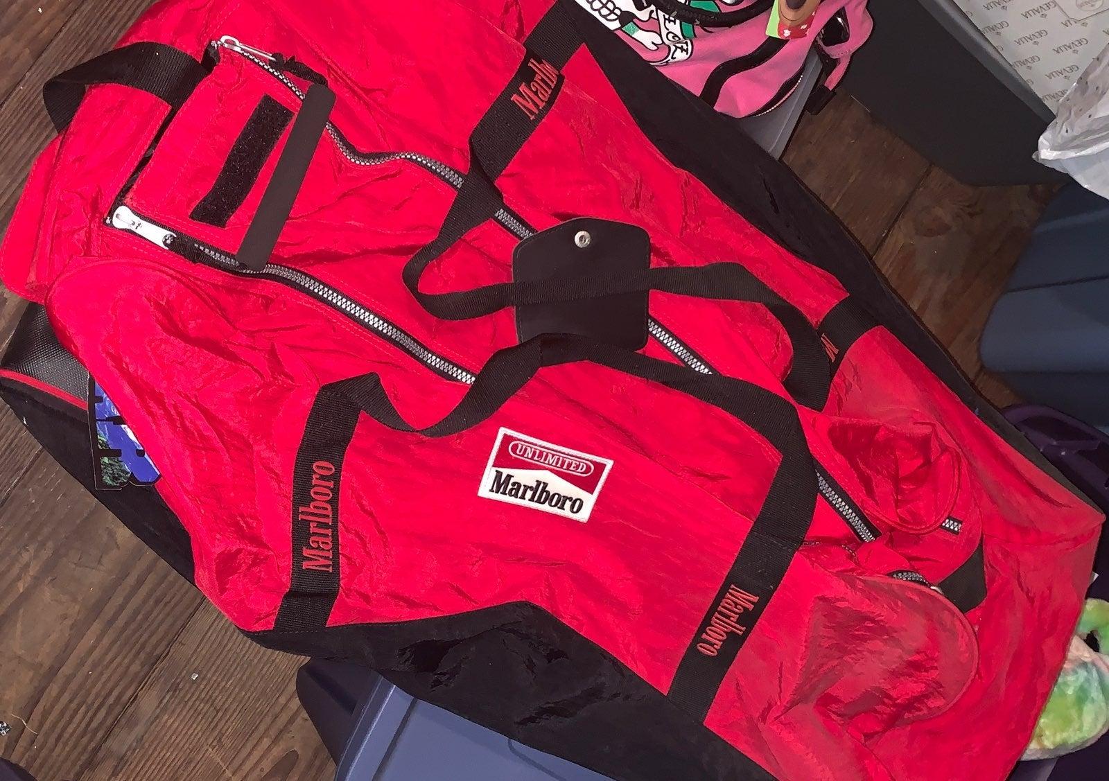 Marlboro unlimited duffel bag