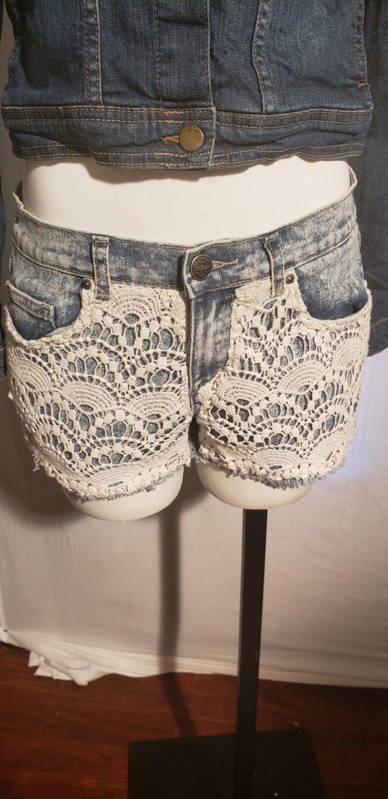 Iris Jean's denim Shorts size M