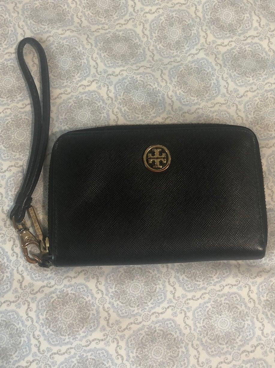 Tory Burch black zip wallet wristet