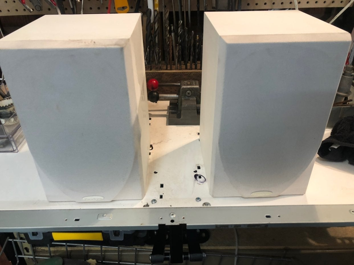 Pair - Paradigm atom v4 speakers