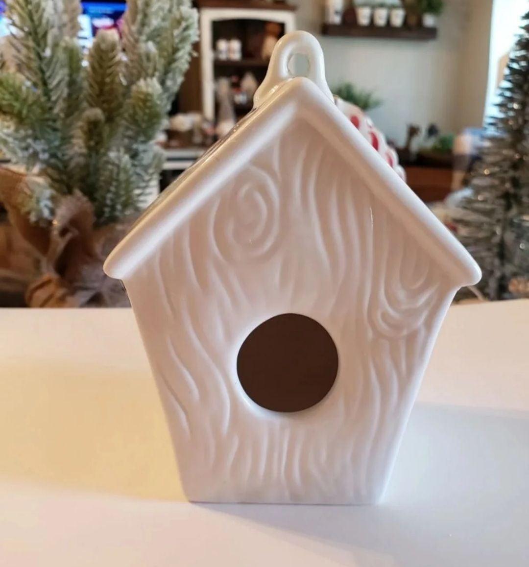Dunn inspired mini woodgrain birdhouse