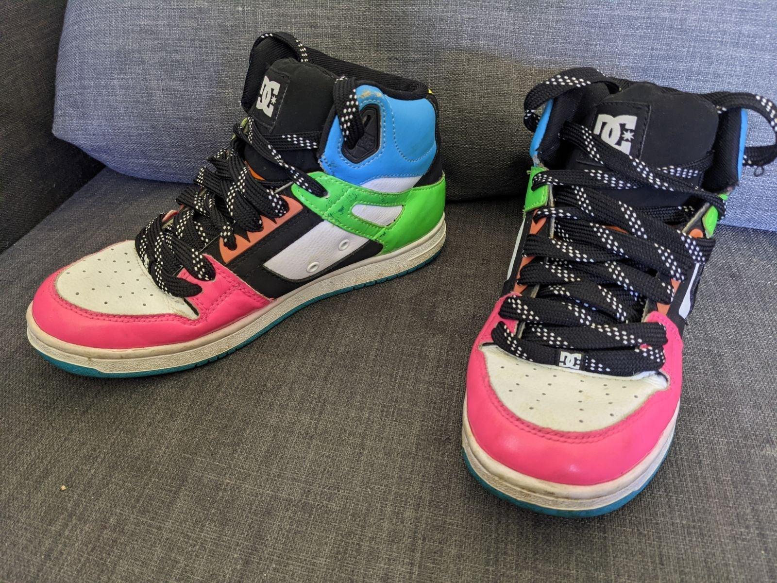 DC Women's Skateboard Shoes 7 Sneakers