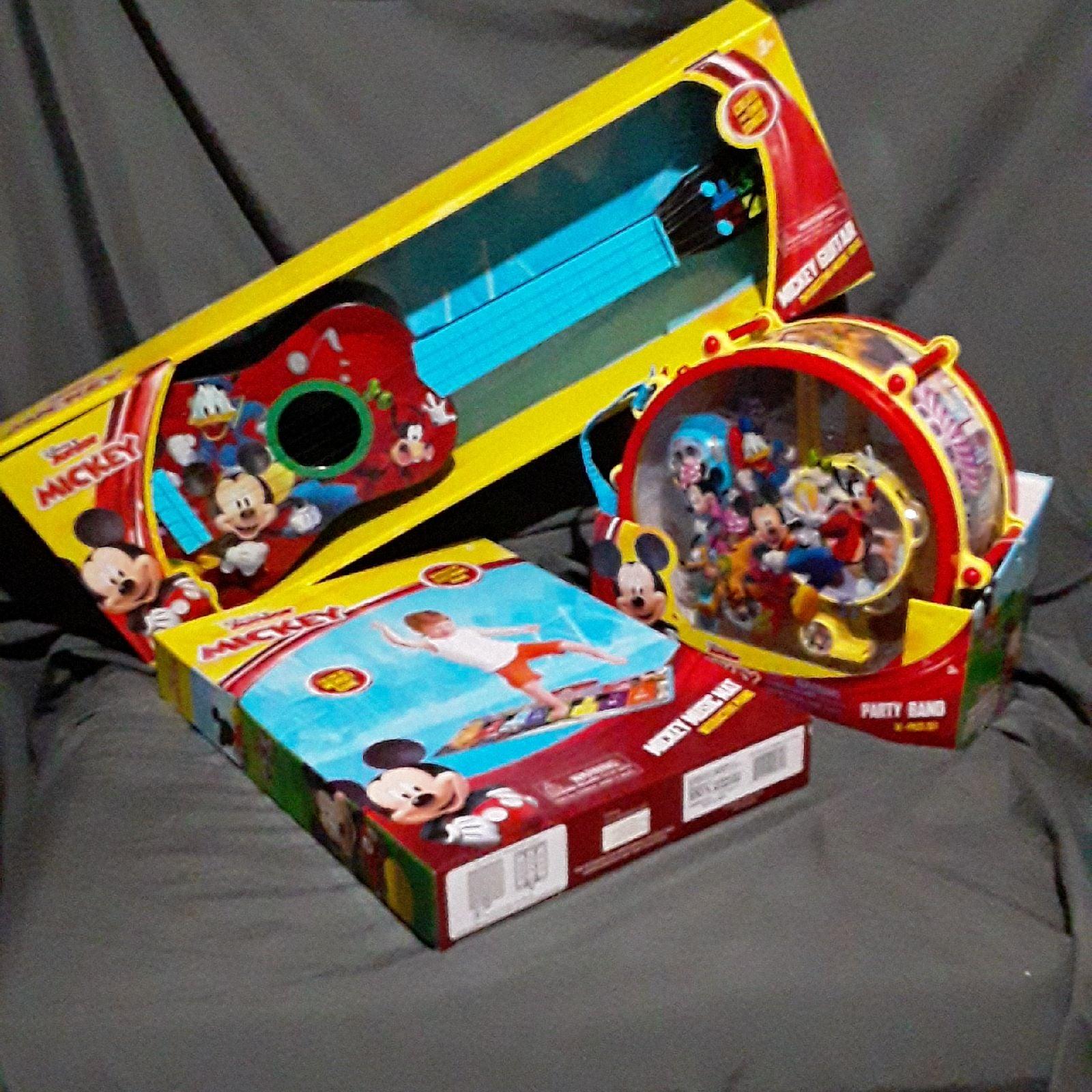 Disney Junior Mickey Mouse Guitar, Music