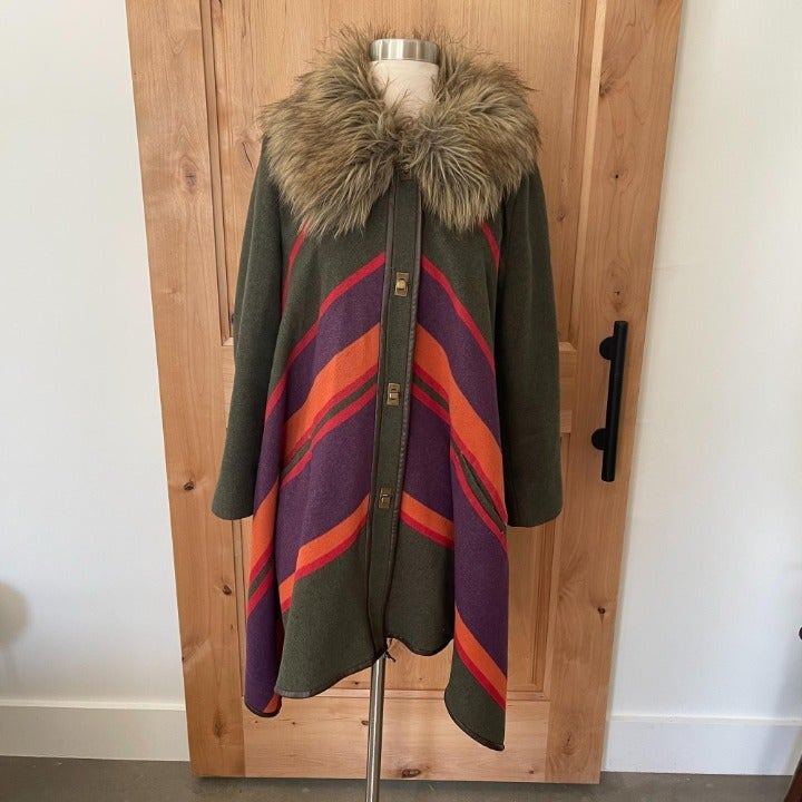 Anthropologie Cartonnier Capelike Faux Fur Collar Coat L
