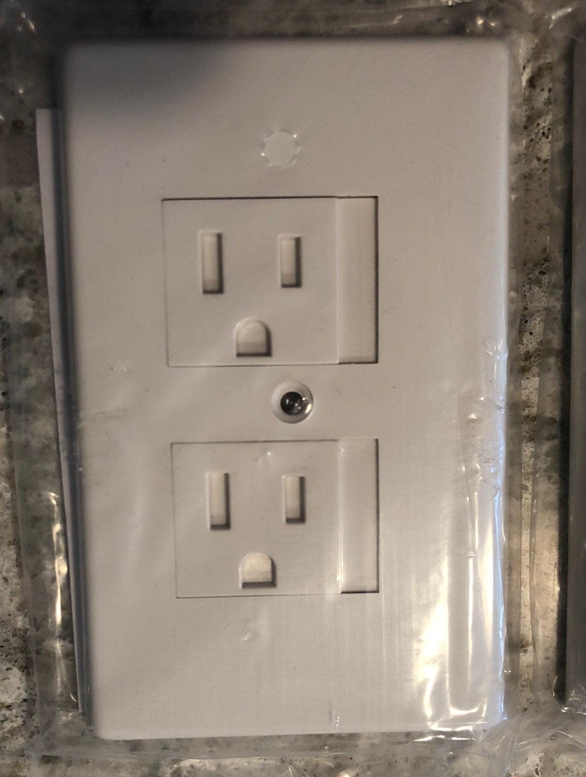 Kids safety sliding electrical outlet pl