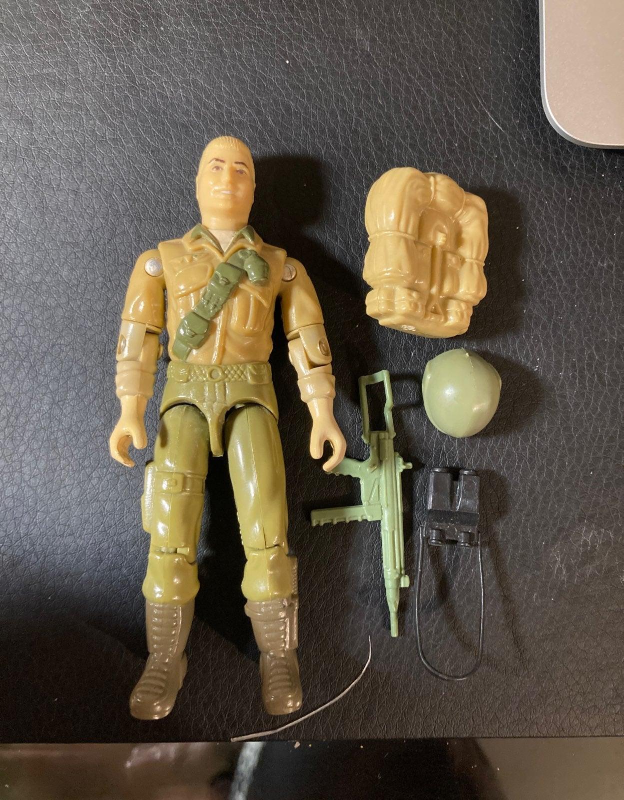 G I Joe Corps partie 1992 Duke bras gauche C8.5 très bon état