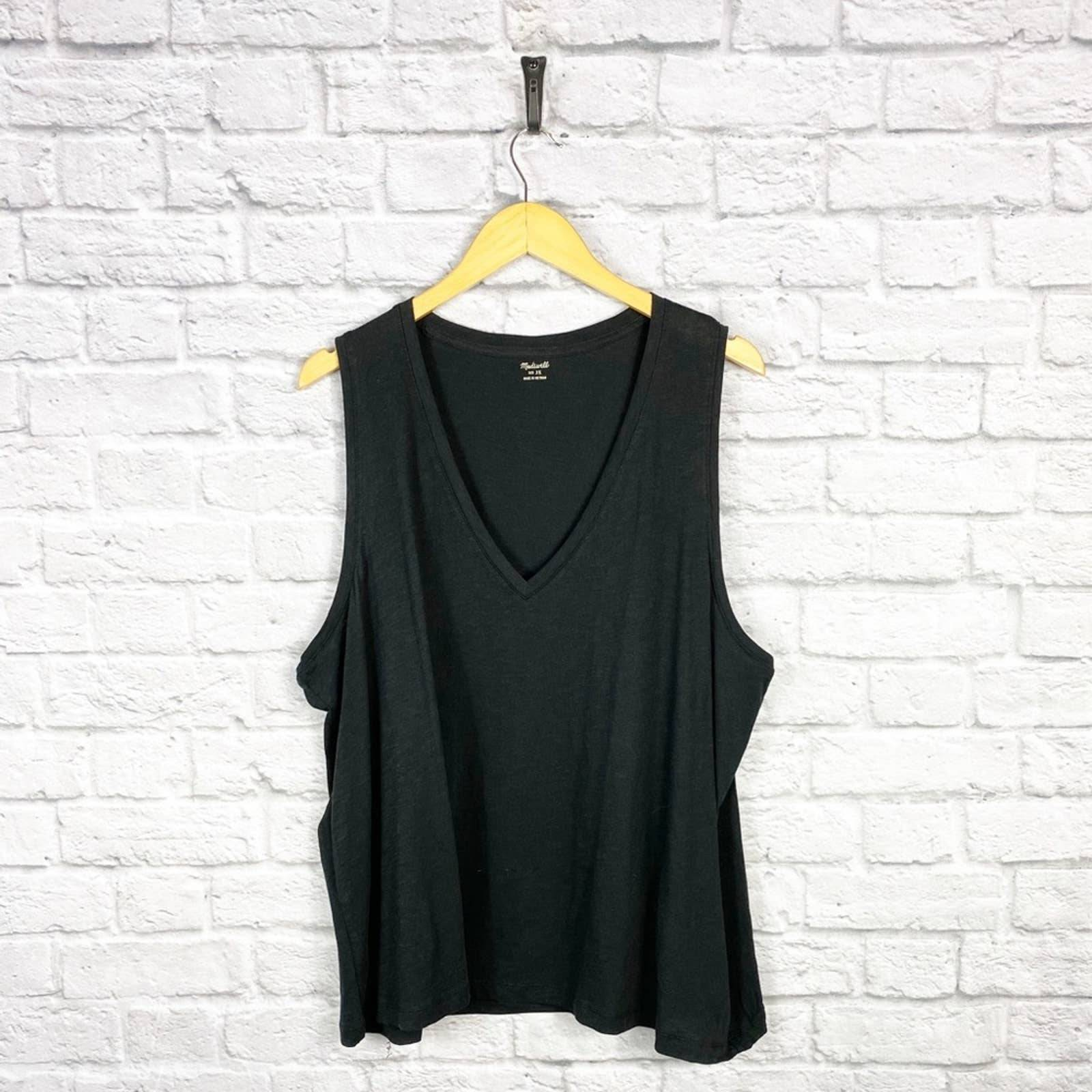 Madewell Cotton V-Neck Tank Top in Black