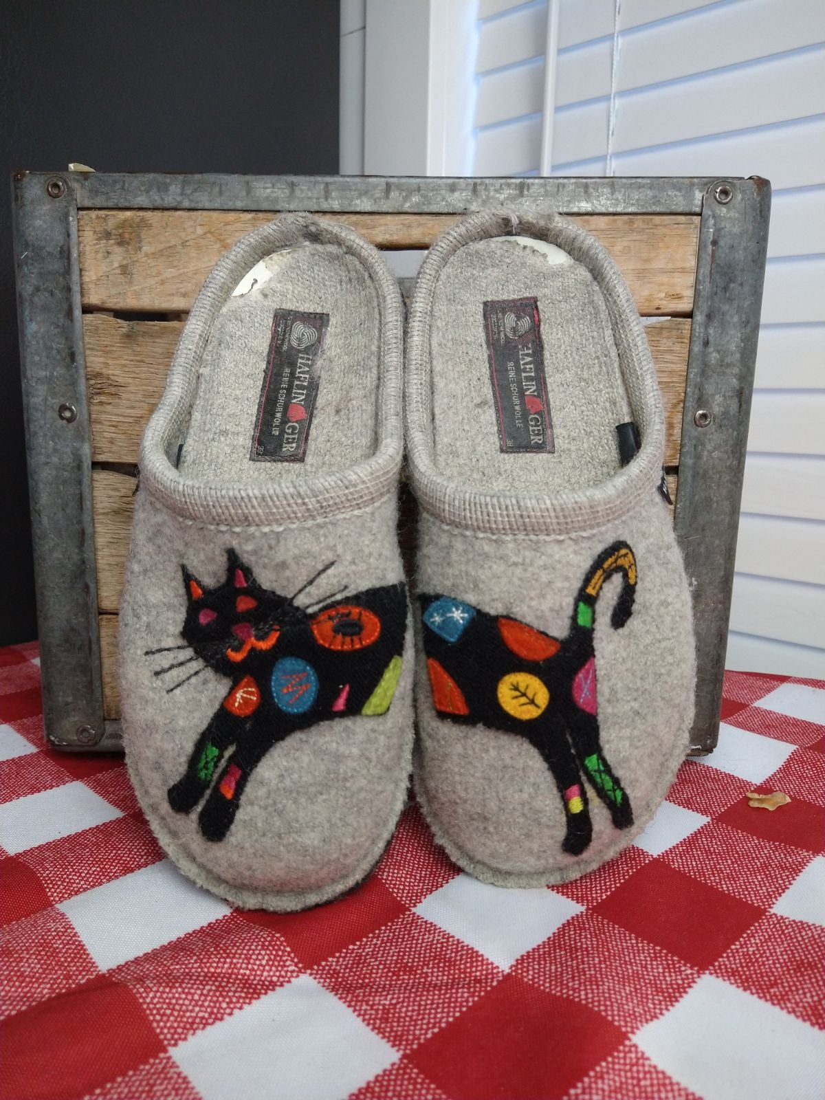 Wool 7.5 Cat Slippers