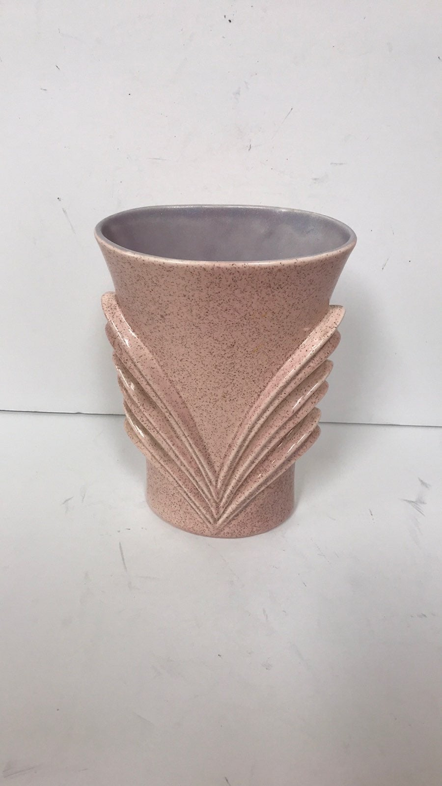 Vint Red Wing Flecked Pink Vase 1956