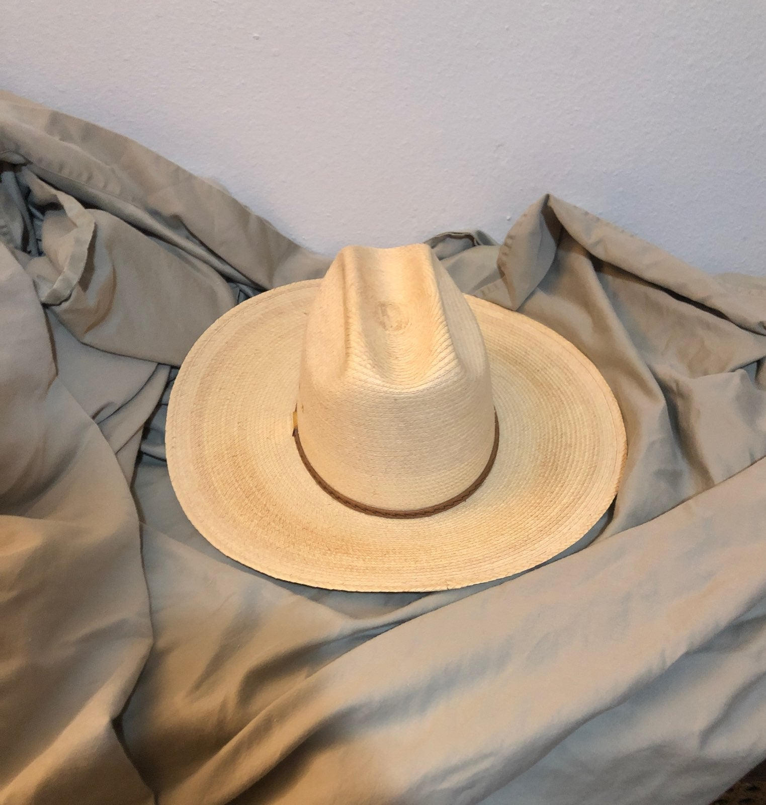 George strait self conforming Pom hat
