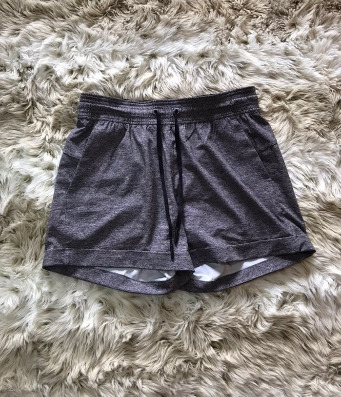 Lululemon long heathered gray shorts 4
