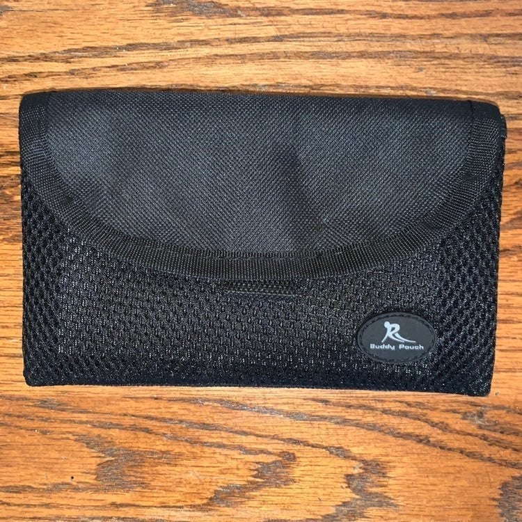 CLEARANCE! Belt Free RFID POUCH Lori Gre