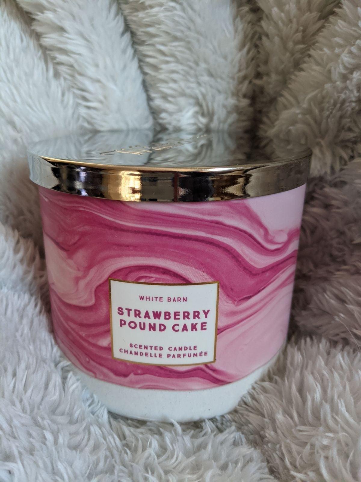 BBW strawberry pound cake 3 Wick Candle
