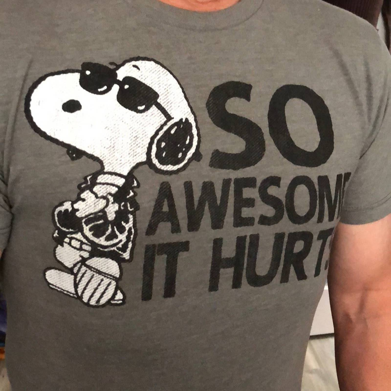 Peanuts Snoopy Awesome T-shirt size S