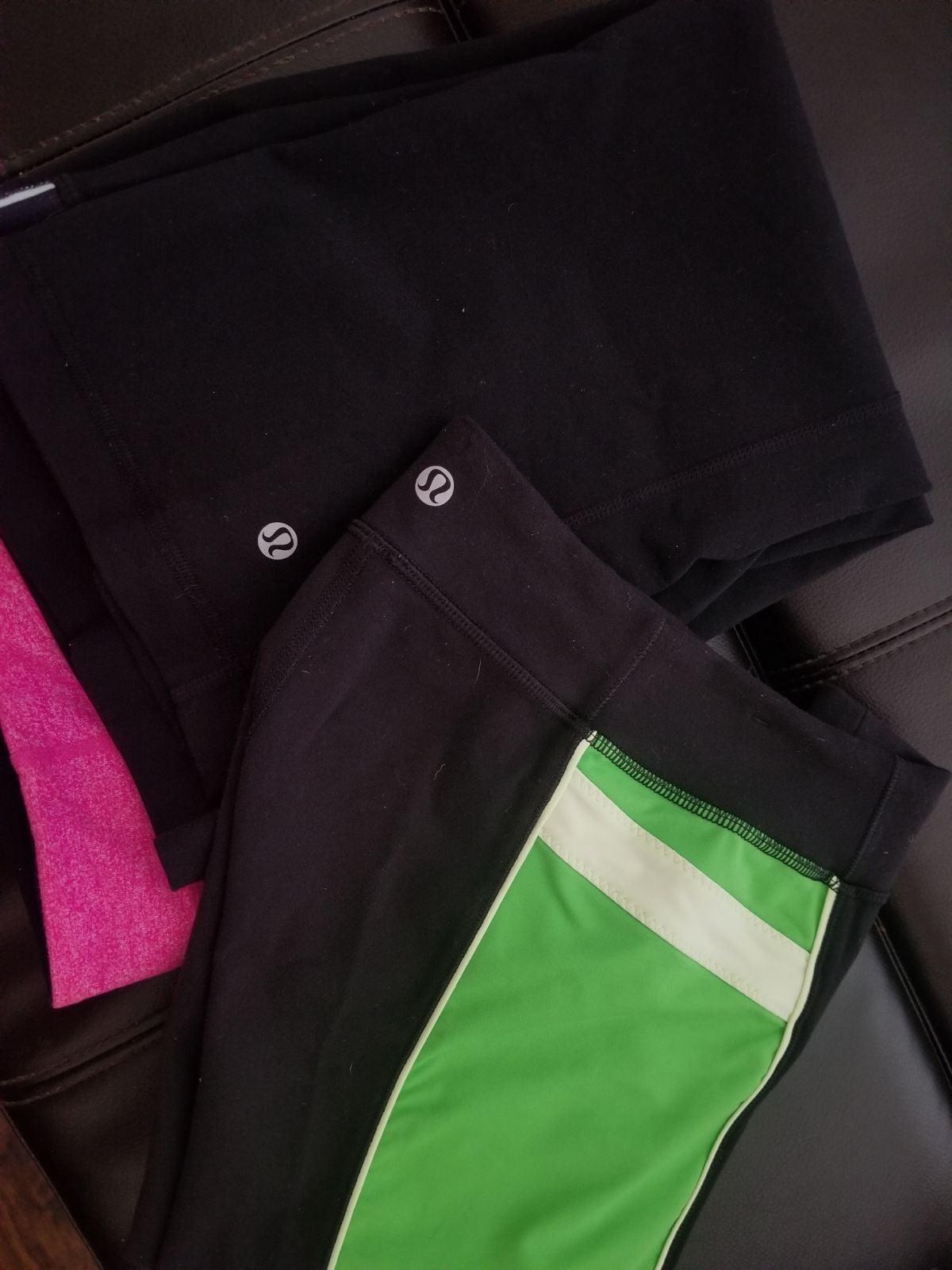 2 Lululemon cropped leggings size 4