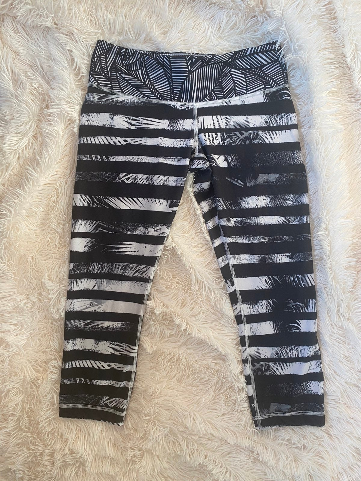 lululemon leggings size 8