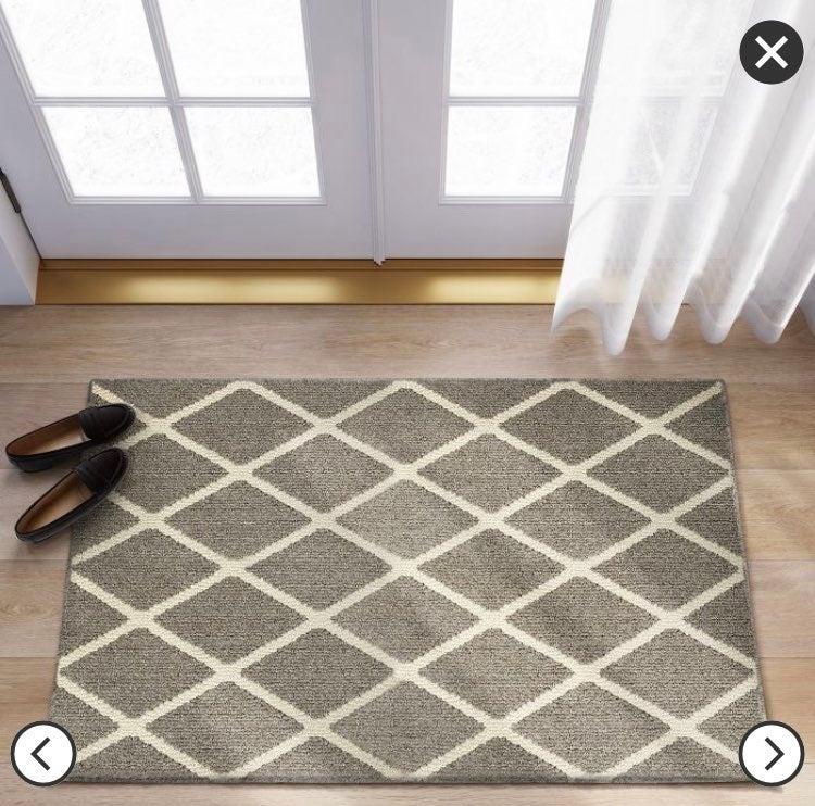 Accent rug diamond gray