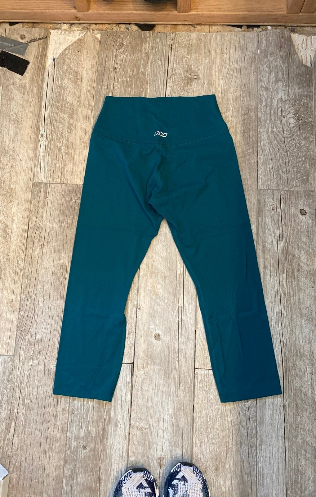 Lorna Jane capri leggings in teal