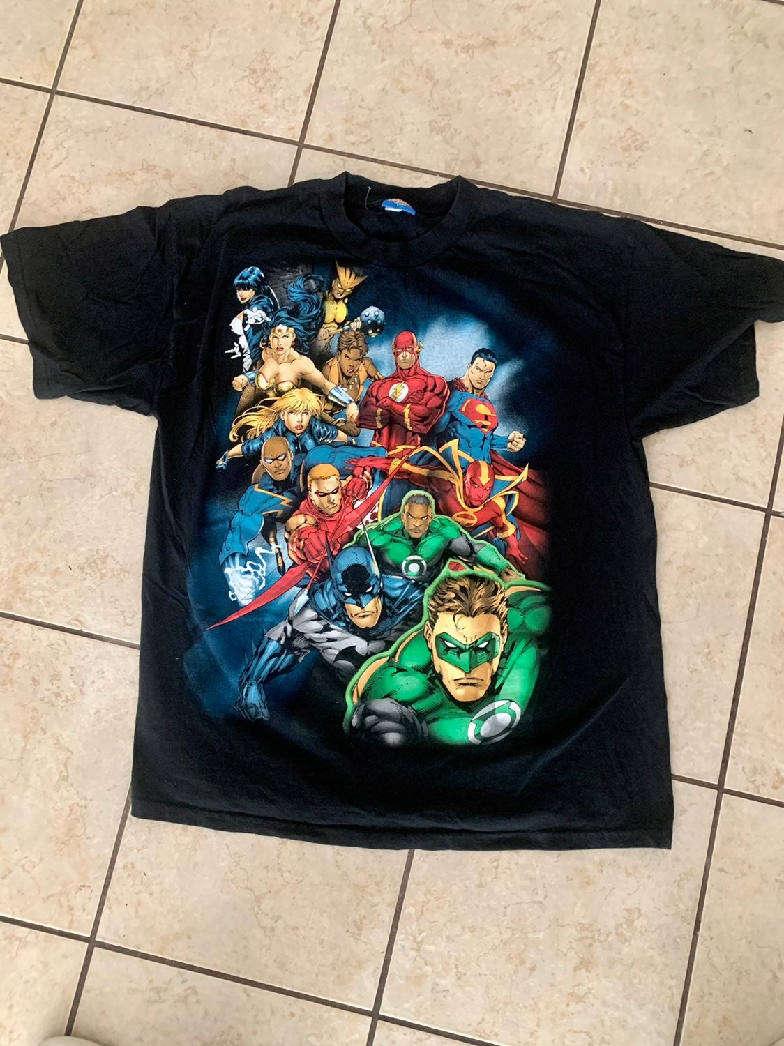 Mens XL Justice League shirt
