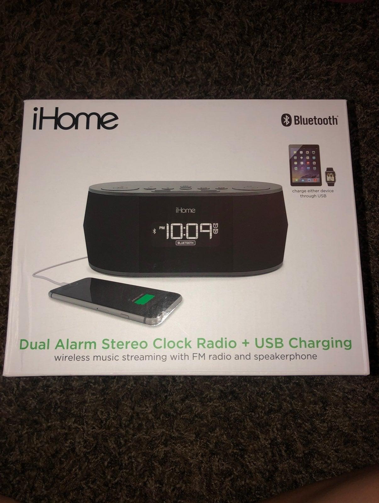 iHome alarm stereo clock + charging