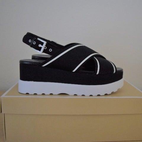 Michael Kors Becker Scuba Sandals 9