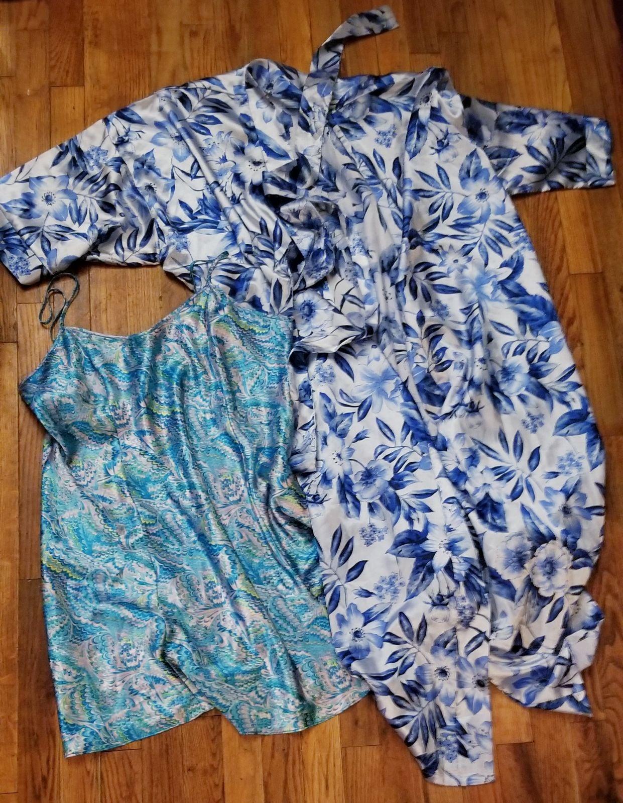 Womens Robe / Sleep Wear/ Gown Lot