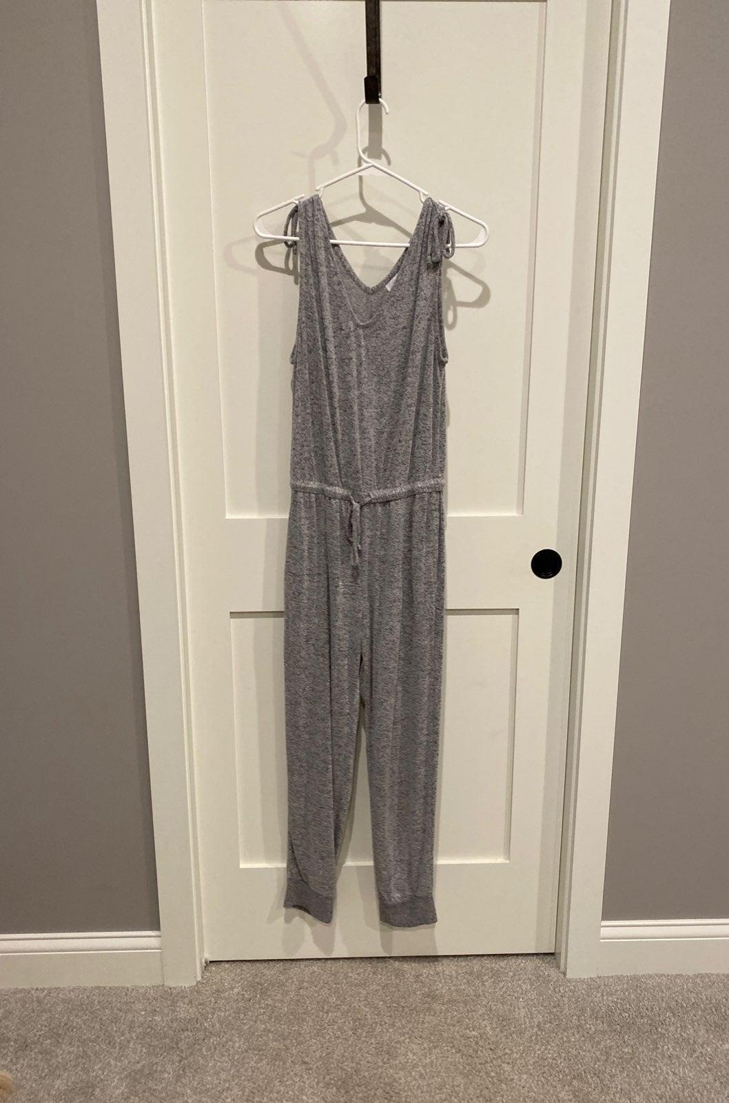 Knit jumpsuit- grey. Size XS