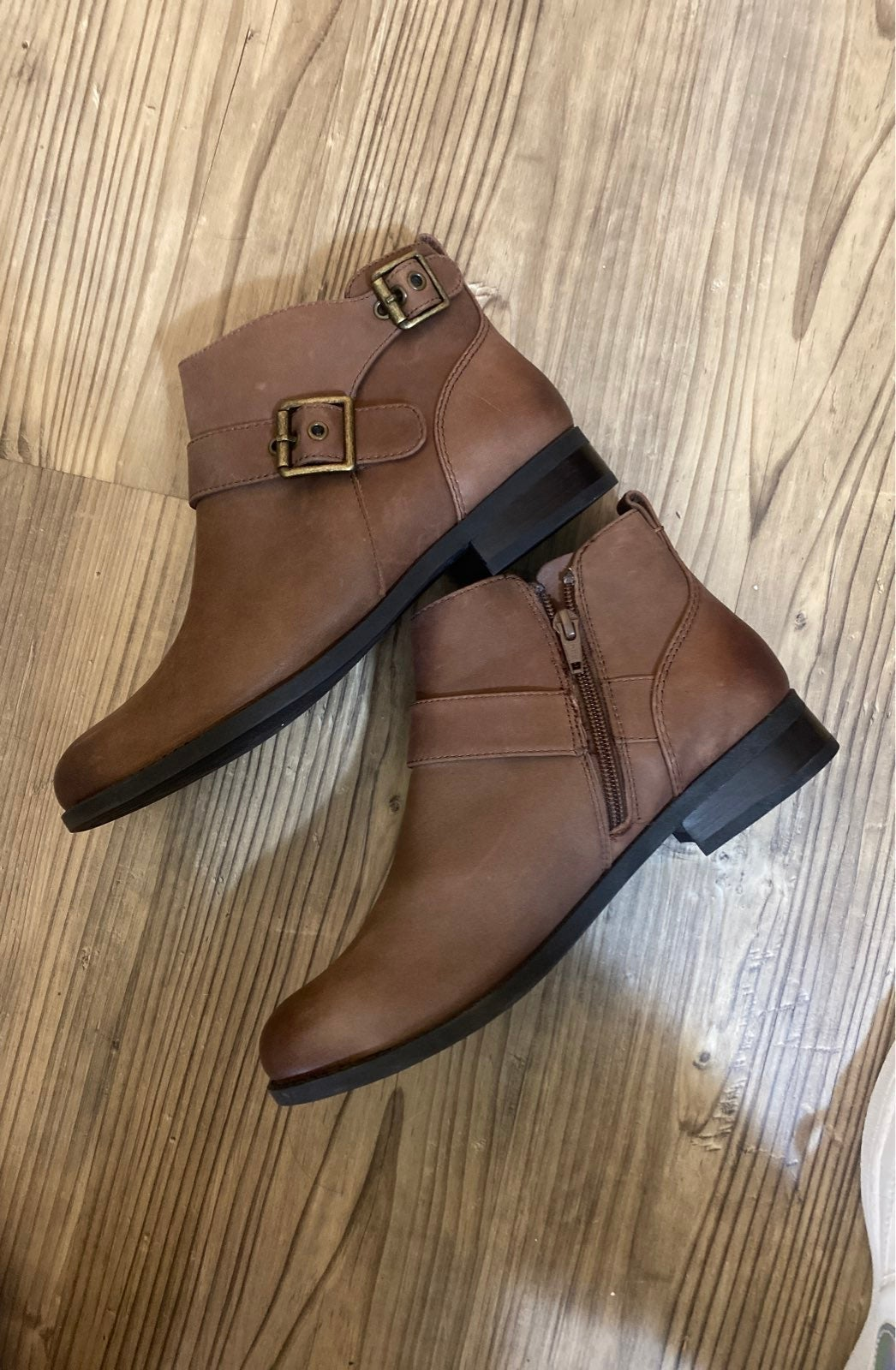 Vionic Size 7.5 Brown Short Booties New