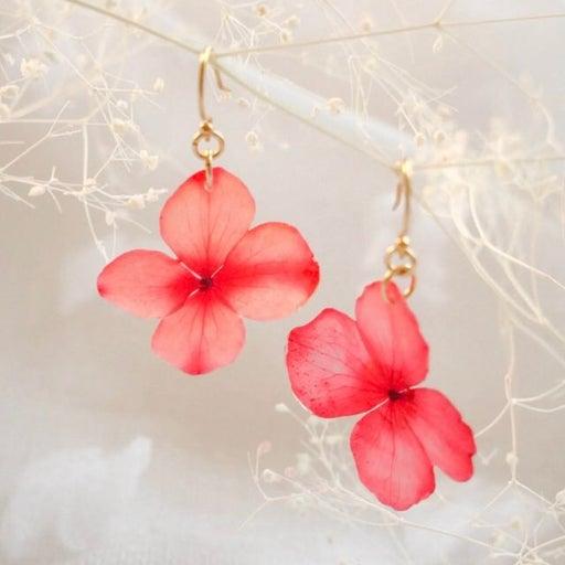 Real flower resin earrings