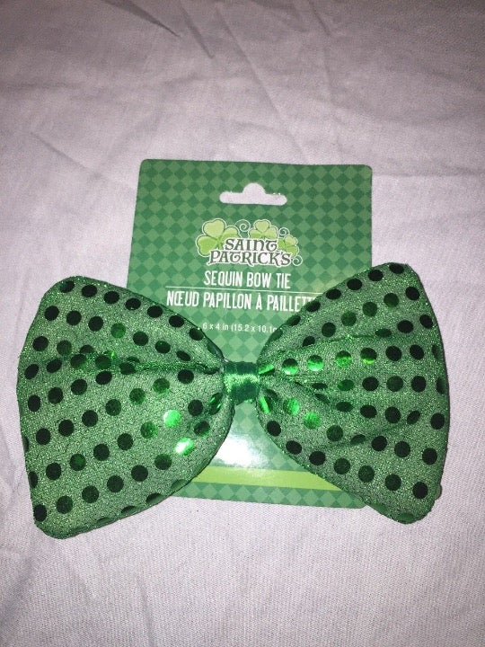 St. Patrick's Day Bow Tie in Green