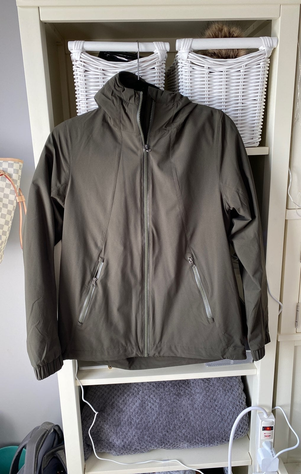 Lululemon Jacket/Windbreaker 6 DISCONTIN
