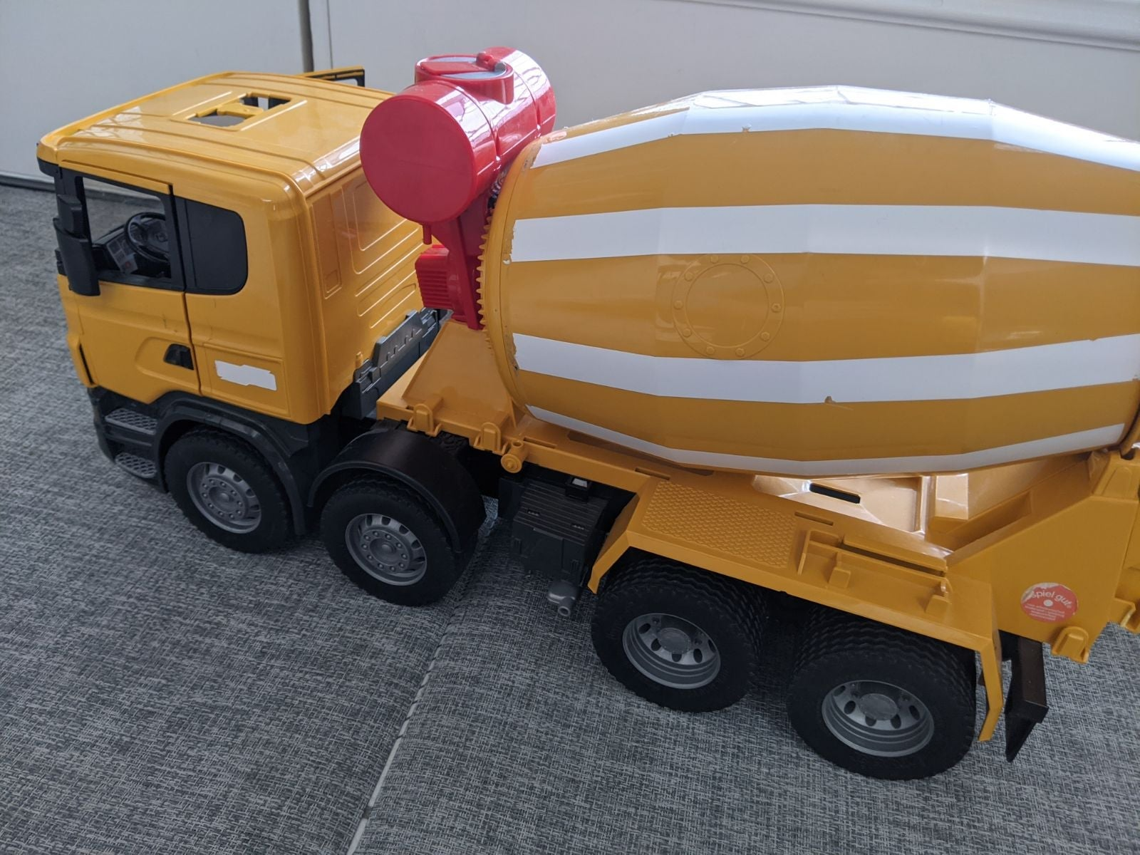 Bruder Scania RSeries Cement Mixer 03554