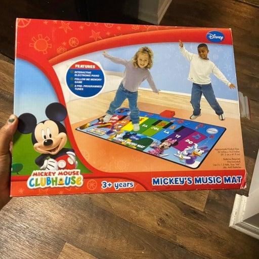 Mickey mouse piano mat