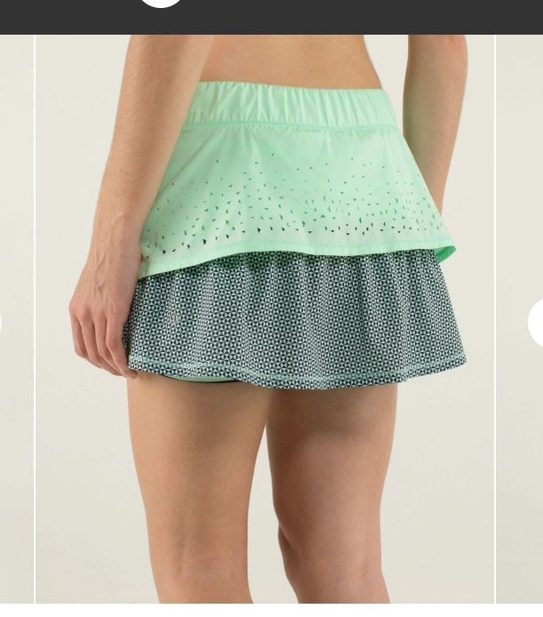 Lululemon 8 In A Flash skirt Fresh Teal