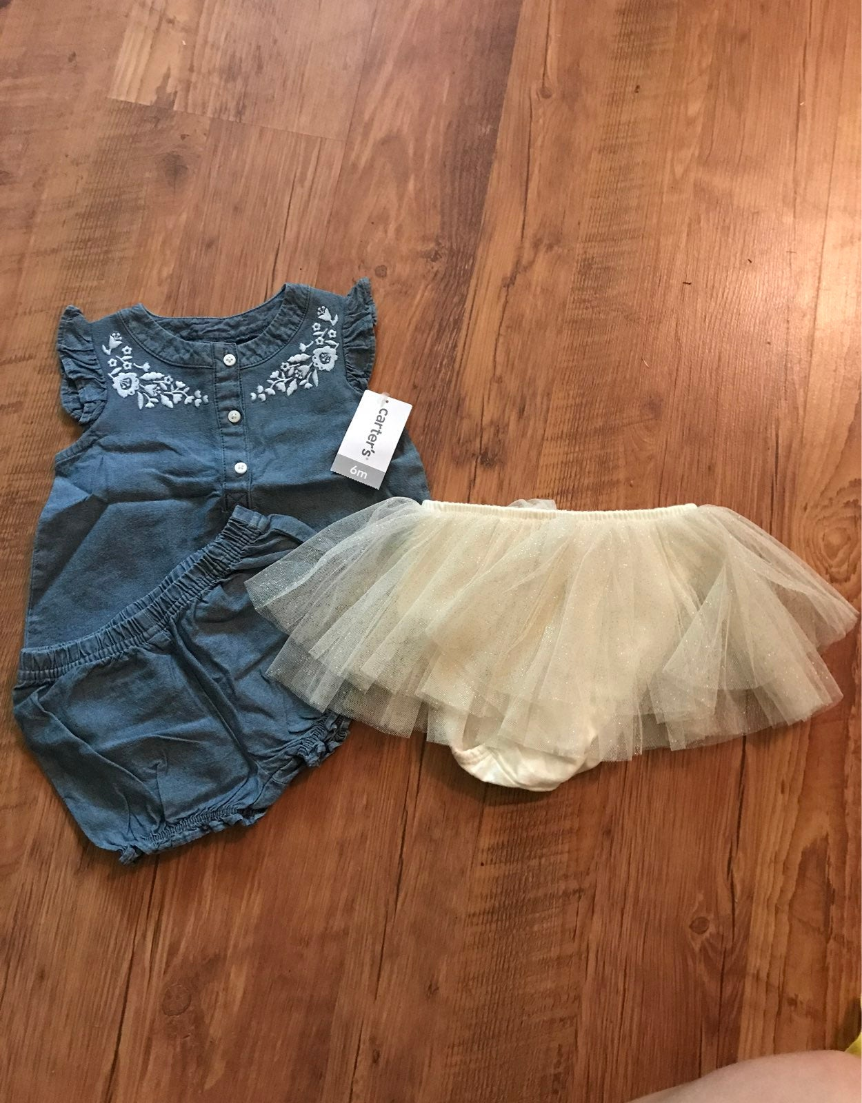Girls Outfit (6m) and Tutu (0-12m)