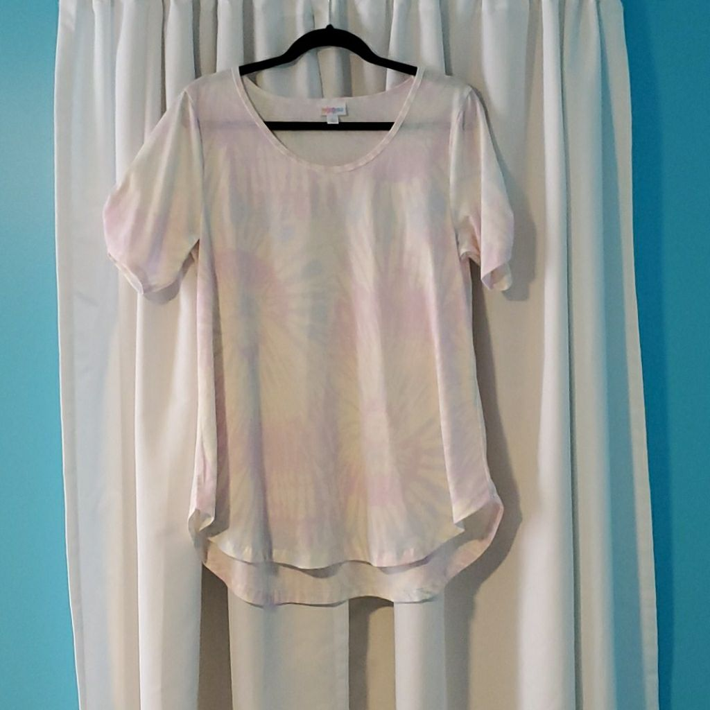 LuLaRoe Morgan shirt size Large