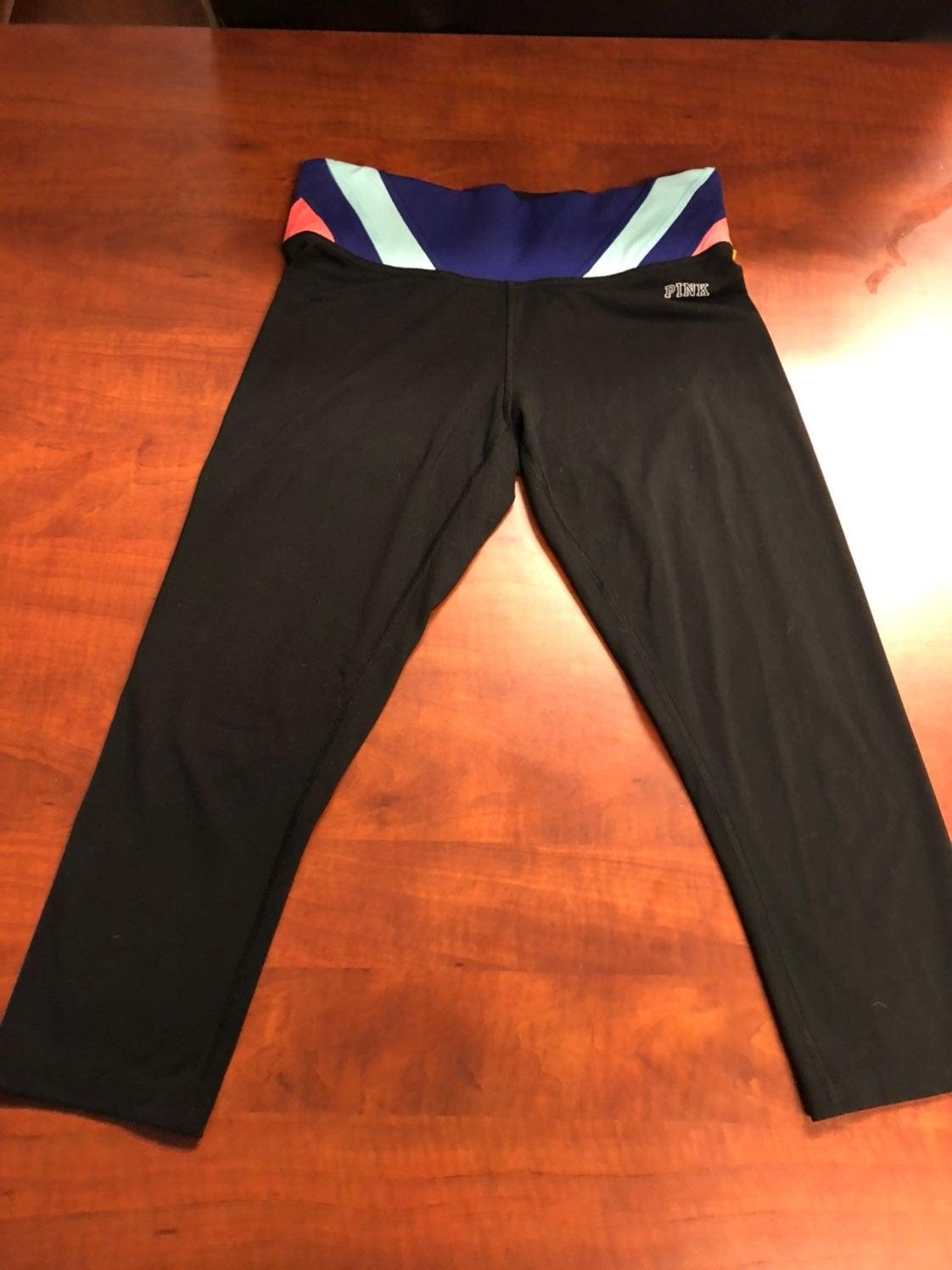 VS Pink Capri Yoga Pants