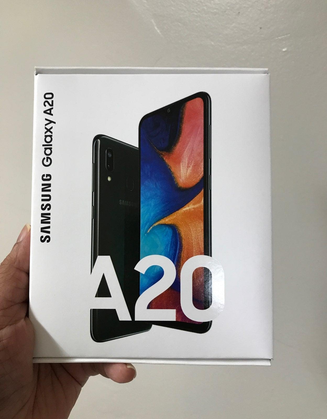 Samsung galaxy A20 Boost Mobile Brand Ne