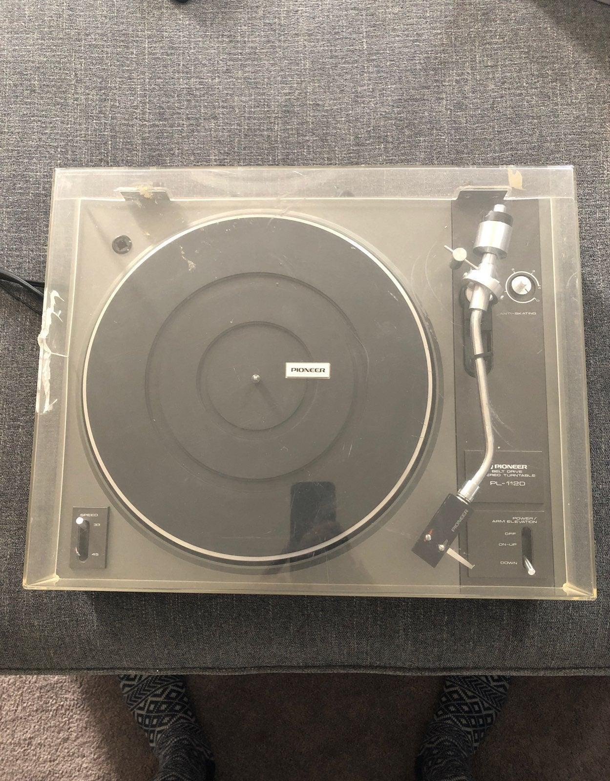 Pioneer PL-112D Turntable