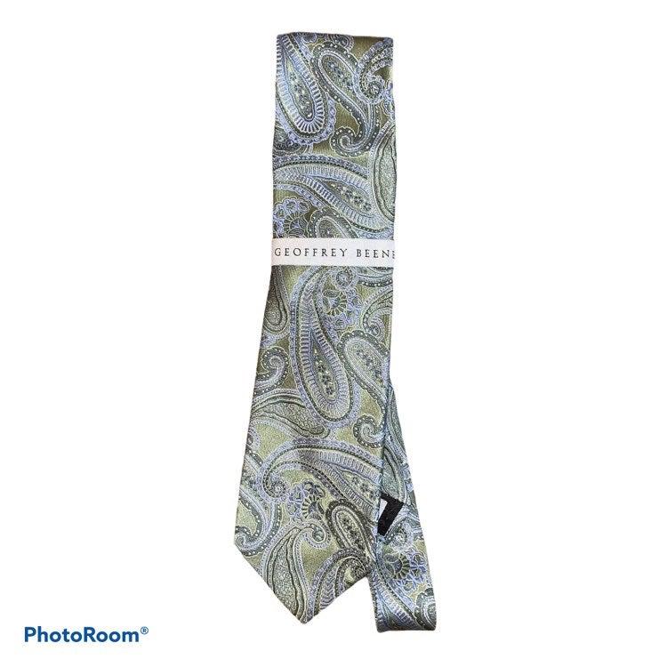 NWT Geoffrey Beene Green & Blue Silk Tie