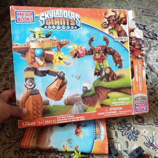 Skylanders giants mega blocks
