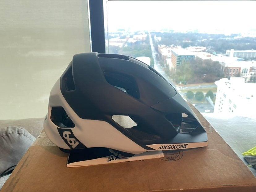 SixSixOne Mountain Bike Helmet